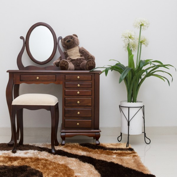 Dresser1-01